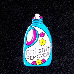 Jewelry - 🔥 Vintage Awesome BullSh!t Remover Pin 🧷📌